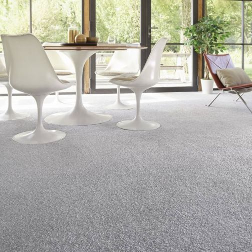 sensitive's supreme Saxony carpet