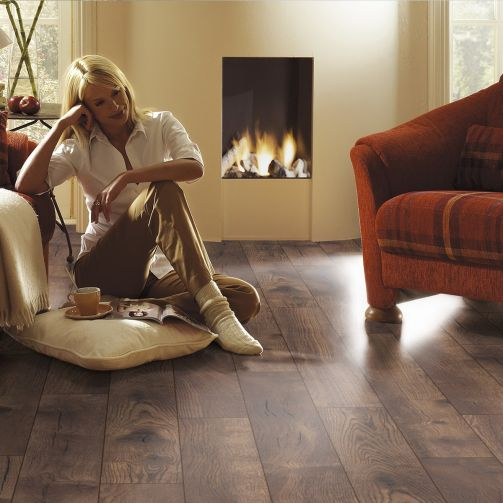 Villa Petterson Oak 12mm Laminate Flooring