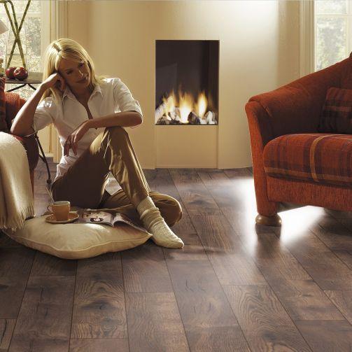 Villa Petterson Oak 12mm Laminate Flooring